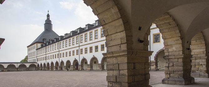 Weiterer Wappenstein restauriert