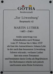 Die Luther-Gedenktafel am Hauptmarkt 42 in Gotha (Foto: Matthias Wenzel)